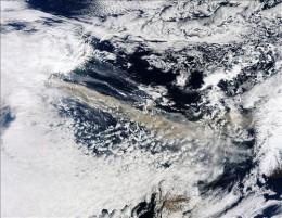 Imagen satelital de la erupción / Globovisión en Flickr
