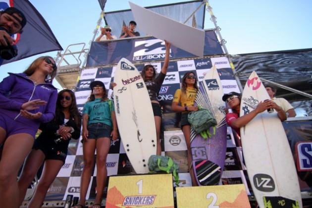 El podio de las mujeres participantes