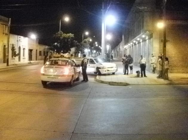 Mujer ebria huye desde accidente   Manuel Chinchón G.