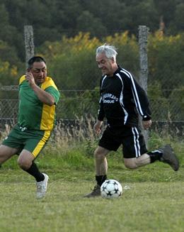 Presidente jugó partido en Coique | Fotopresidencia