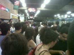 Colapso en Metro de Santiago / Juan Pablo Soto en Twitter.