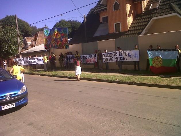 Manifestación a las afueras de tribunales | Foto: Néstor Aburto