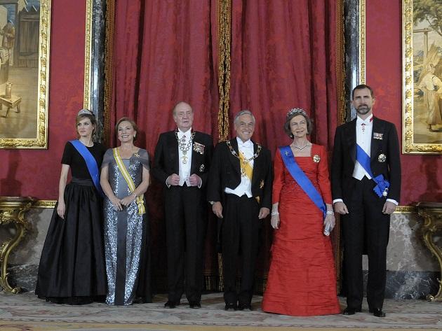 Presidente Piñera junto a Reyes de España   Fotopresidencia