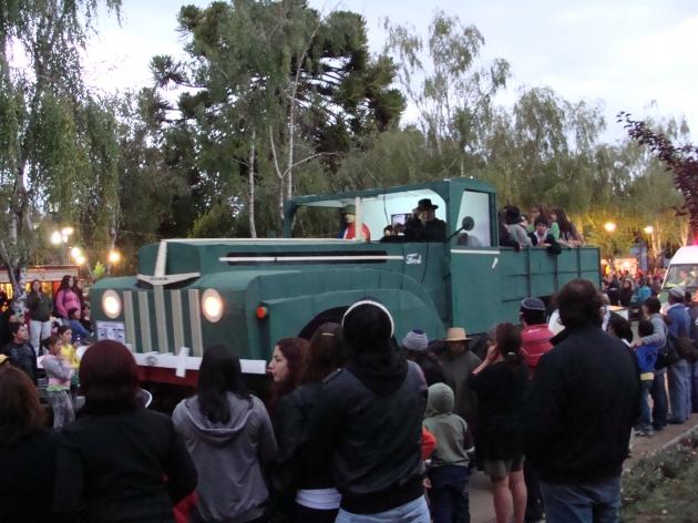 Carros alegoricos fueron parte de celebración del verano 2011 en Puren  | raul baeza torrealba