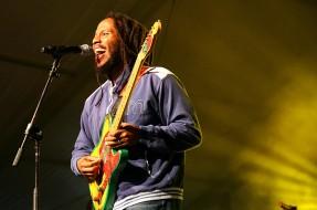 Hijo de Bob Marley: ropa de marihuana y crea Marihuanaman