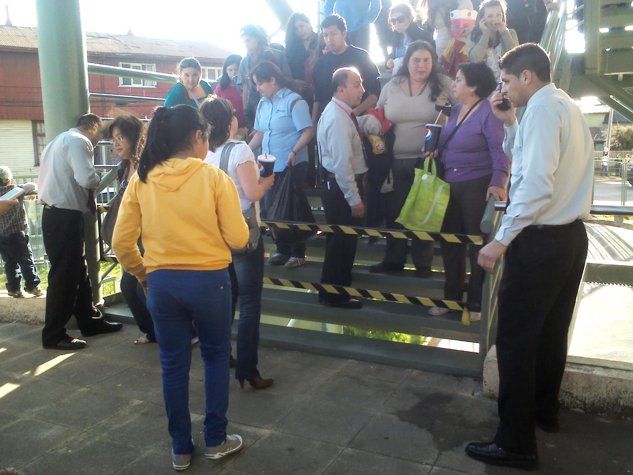 Evacuación en Mall (BBCL)