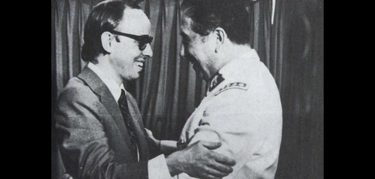 Jaime Guzmán y Augusto Pinochet, memoriachilena.cl (c)