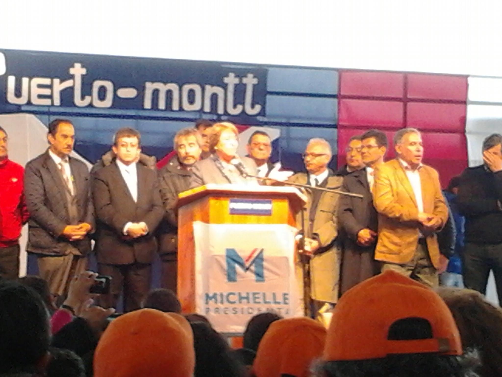 Bachelet en Puerto Montt | Teresa Medina (RBB)