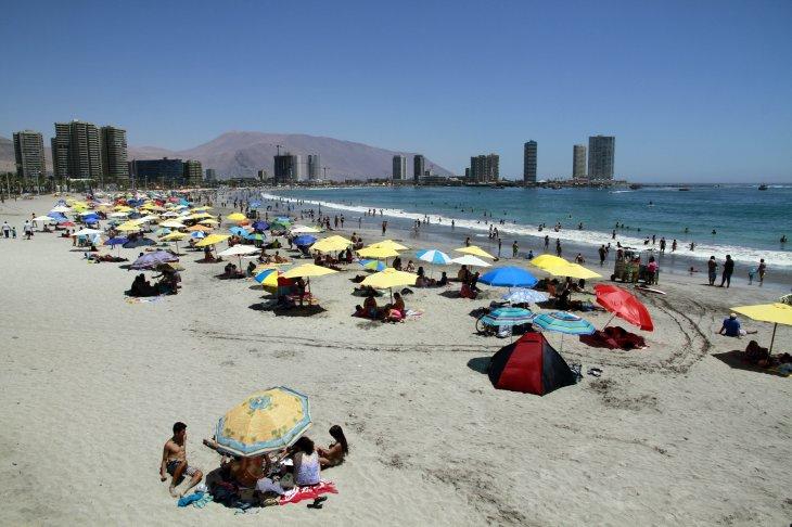 CONTEXTO | Playa Cavancha de Iquique | Agencia UNO