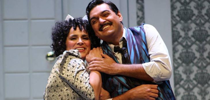 Evelyn Ramírez (Rosina) y Patricio Sabaté (Fígaro), Teatro Regional de Rancagua (c)