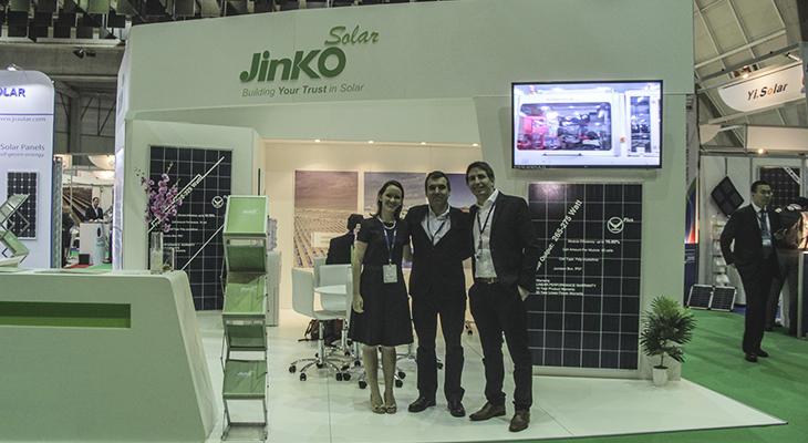 Stand de Jinko Solar en IFT Energy 2015. Foto: biobiochile.cl