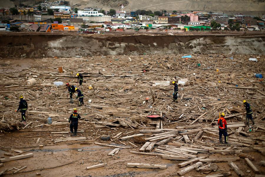 Rescatistas durante búsqueda de cuerpos | Pablo Vera Lisperguer | Agencia UNO