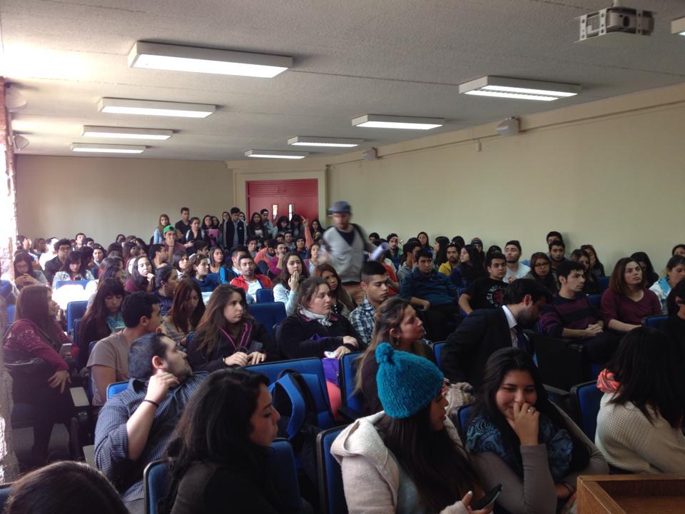 Asamblea Paro UVM | Fabián Mateluna | Facebook