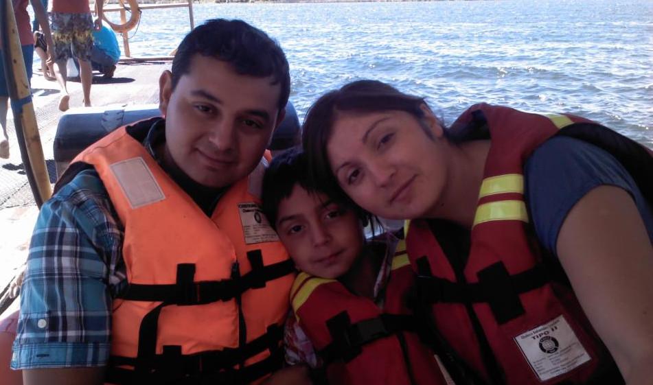 David junto a Virginia y el hijo de ambos