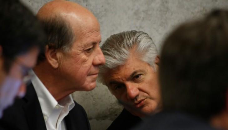 Carlos Alberto Délano (der) y Carlos Eugenio Lavín (izq) ARCHIVO | Francisco Flores | Agencia UNO