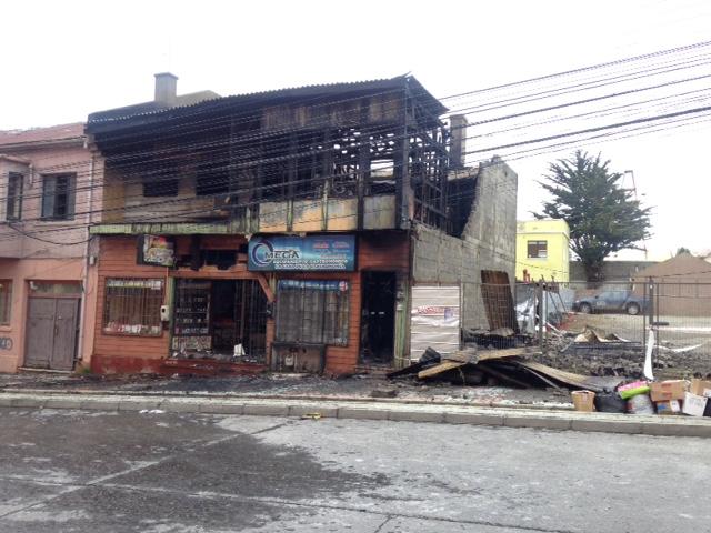 Incendio en locales comerciales de Punta Arenas   El Pingüino
