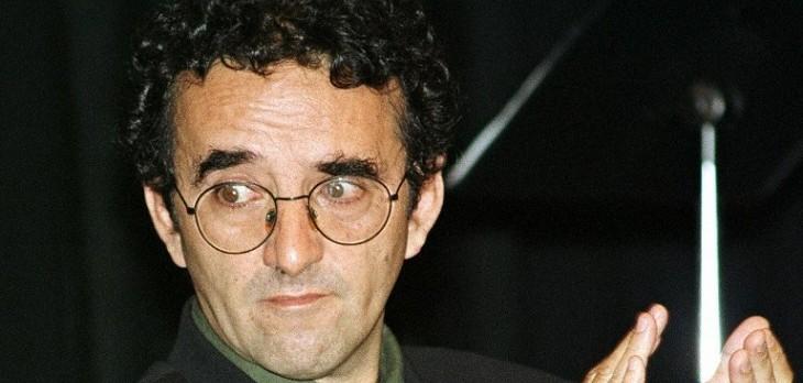 En El Cumpleaños Del Escritor Roberto Bolaño Revisa Sus