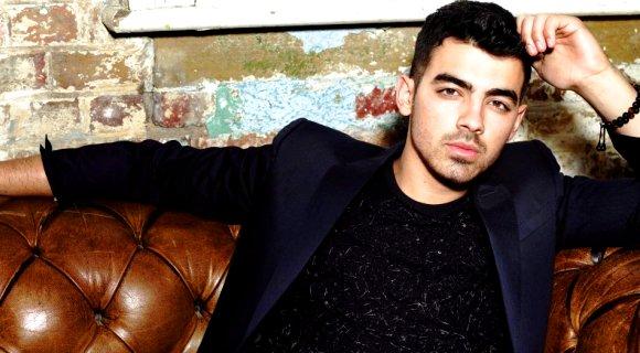 Joe Jonas  | Facebook
