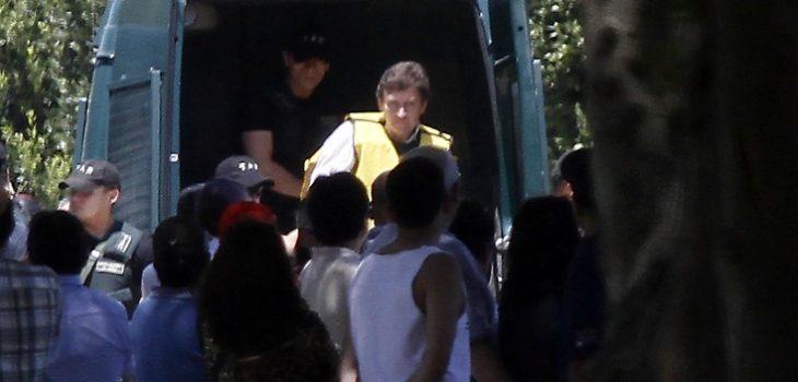 Archivo | Iván Bravo en funeral de su hijo | Agencia Uno