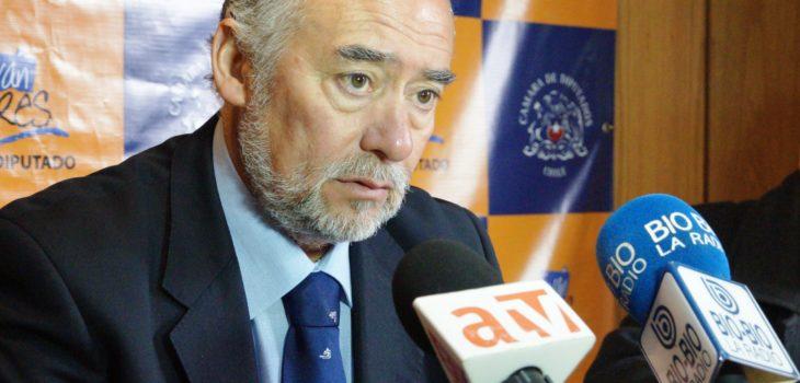 Iván Flores (C)