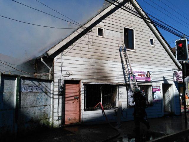 Estufa a gas provocó incendio que dejó a una anciana lesionada en Osorno