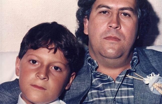 Juan Pablo Escobar junto a su padre