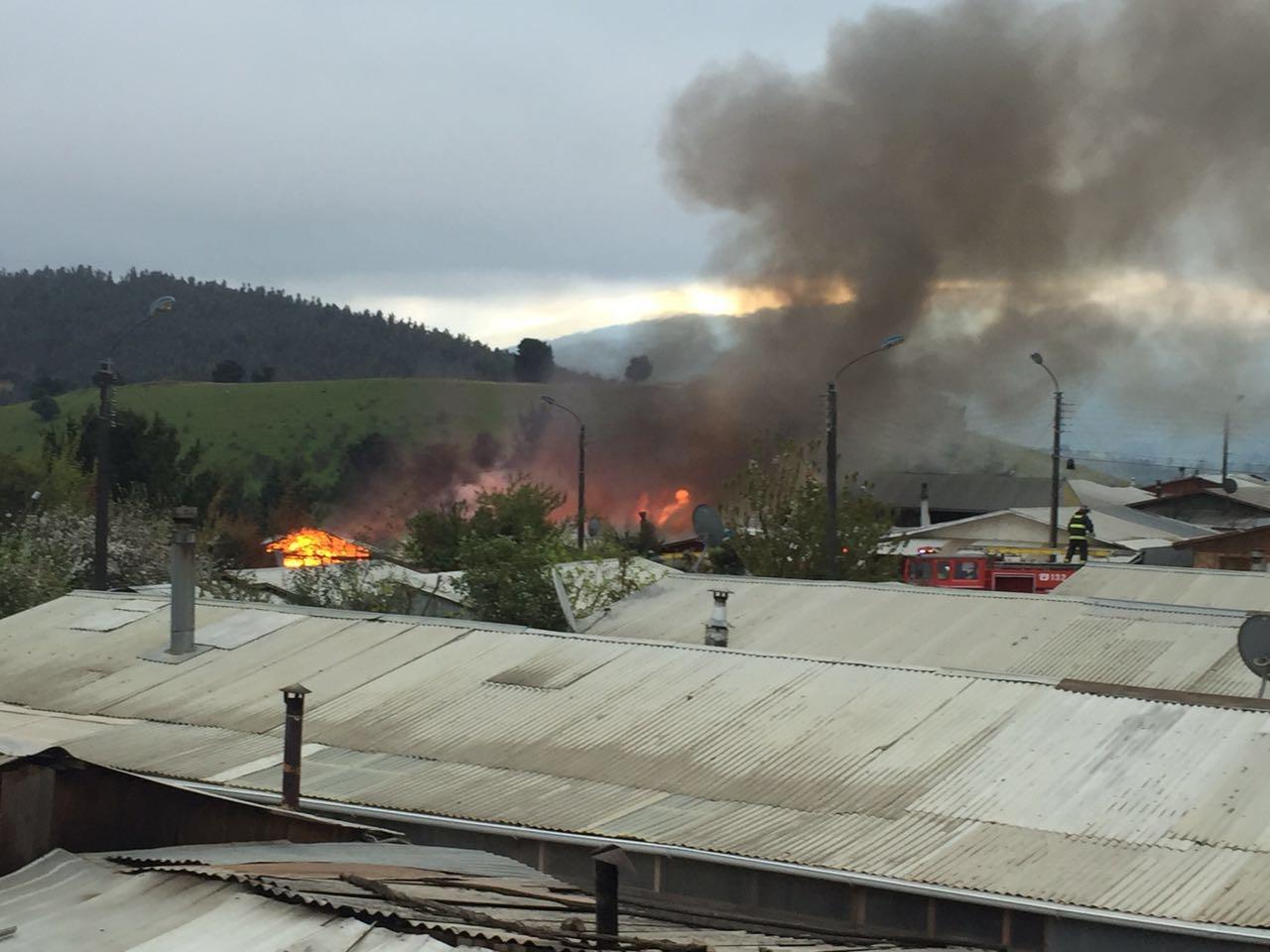 Dos viviendas resultaron afectadas por incendio en la comuna de Angol