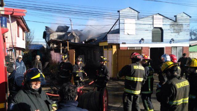 Desarrollo incendio en iglesia de Temuco