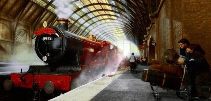 Expreso de Hogwarts en King's Cross | Harry Potter y las Reliquias de la Muerte Parte 2 | Warner Bros.