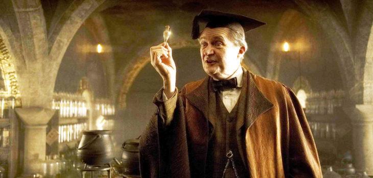Jim Broadbent en Harry Potter   Warner Bros.