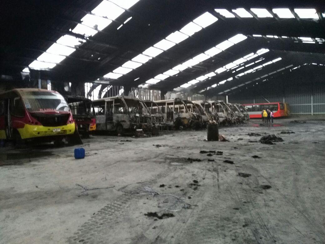Buses tras incendio en Villa Alemana