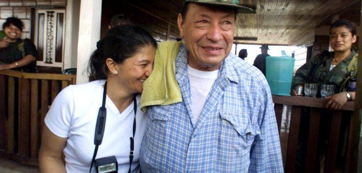 'Tirofijo' y su esposa | ARCHIVO | Agence France-Presse