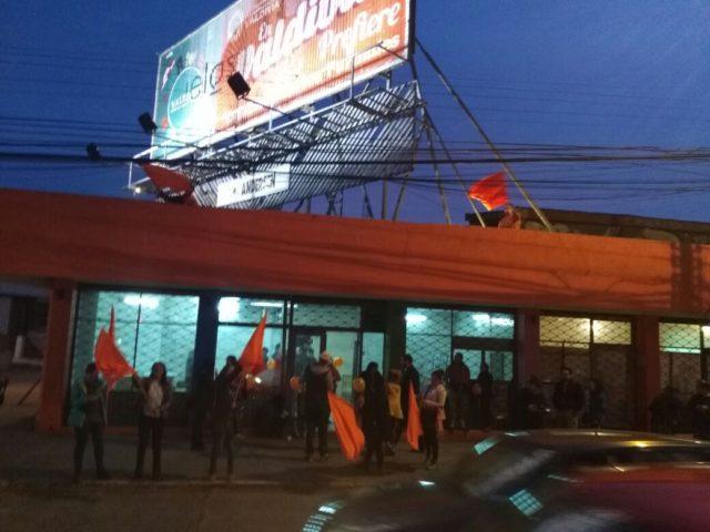 Comando de Omar Sabat prepara celebración ante posible victoria en las Municipales