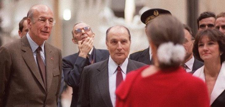 François Mitterrand mira a Anne Pingeot en la inauguración de Musee d'Orsay en 1986.  Derrick Ceyrac | AFP