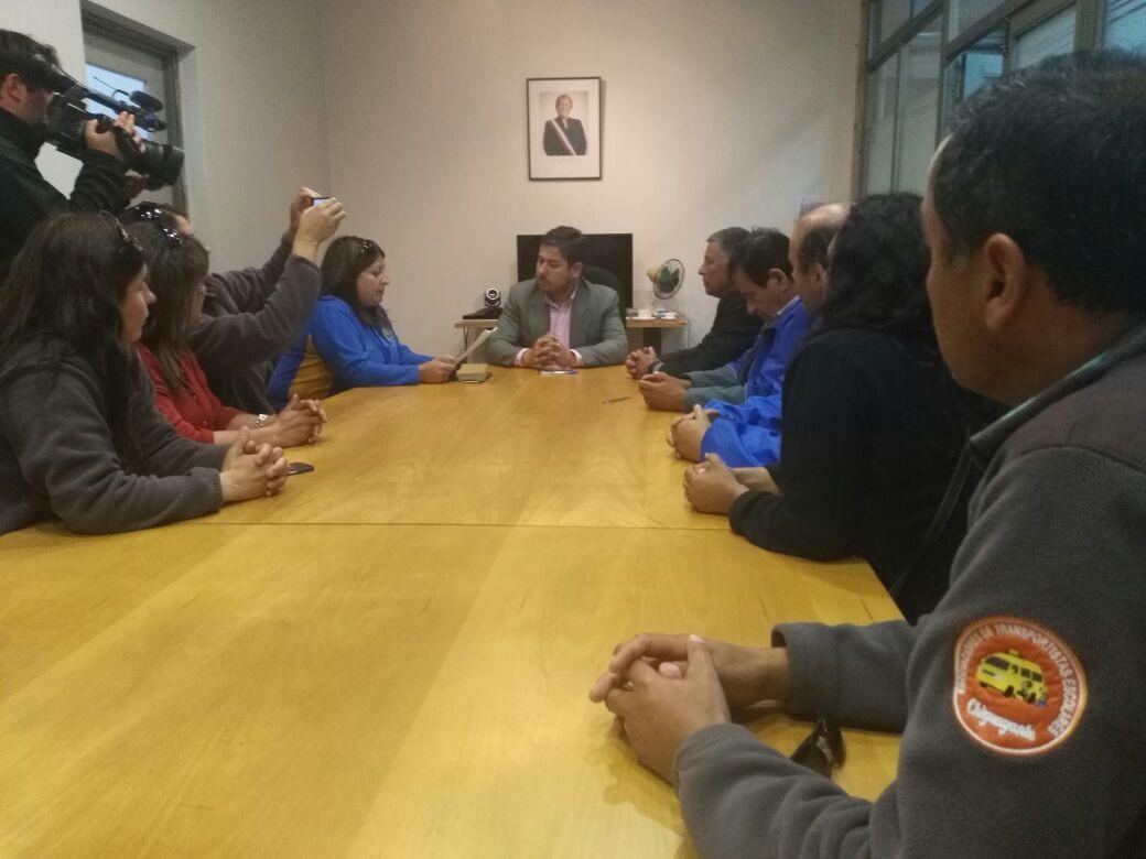Transportistas reunidos con autoridades