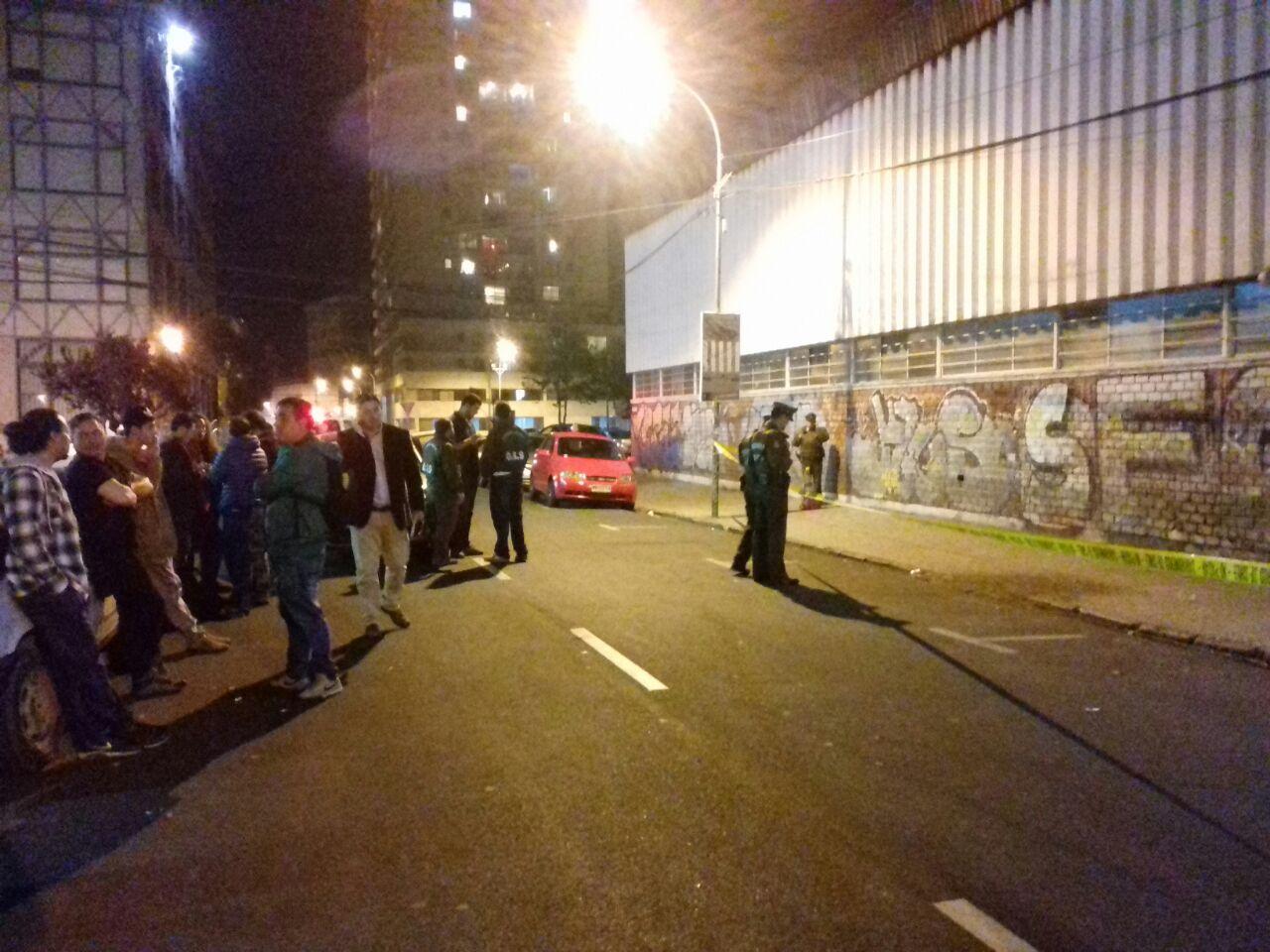 Carabineros acuden a Pub Locomotora en Valparaíso