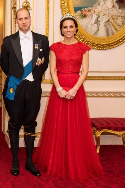 Kate Middleton rinde homenaje a princesa Diana usando su tiara insignia