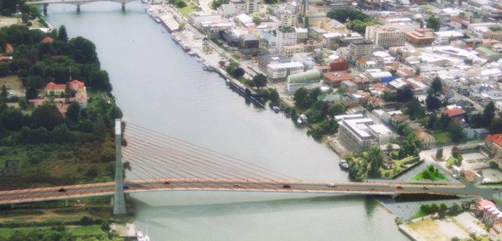 Puente Los Pelúes