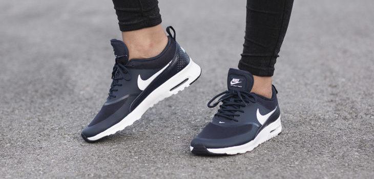 zapatillas negras la tendencia de esta temporada que