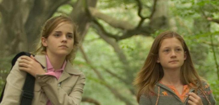 Emma Watson (izquierda) y Bonnie Wright (derecha) en Harry Potter