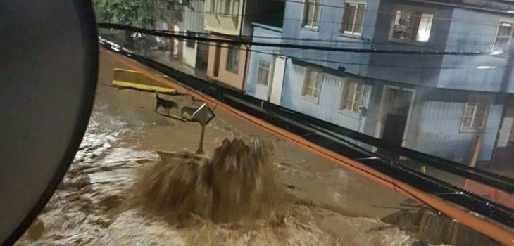 Inundación en calle de Lota   Cedida a RBB