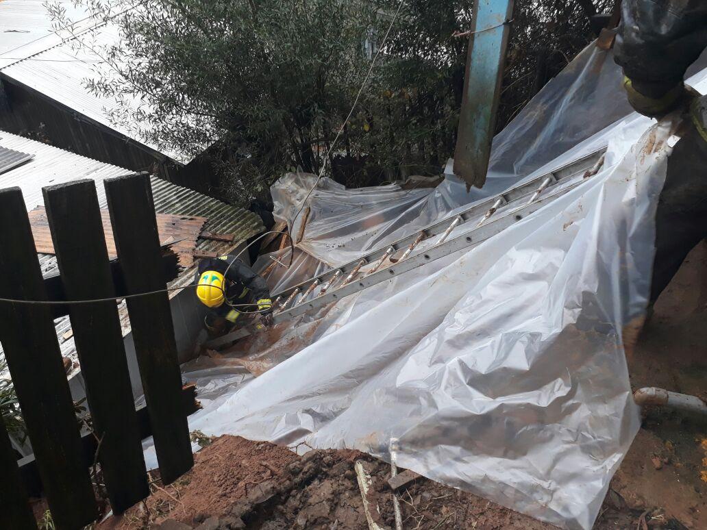Derrumbe de terreno en sector Polvorín de Lota