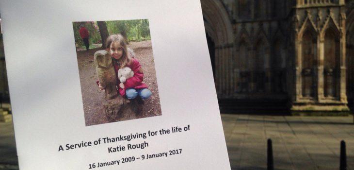 Funeral de Katie Rough    Tom Sheldrick  (Twitter)