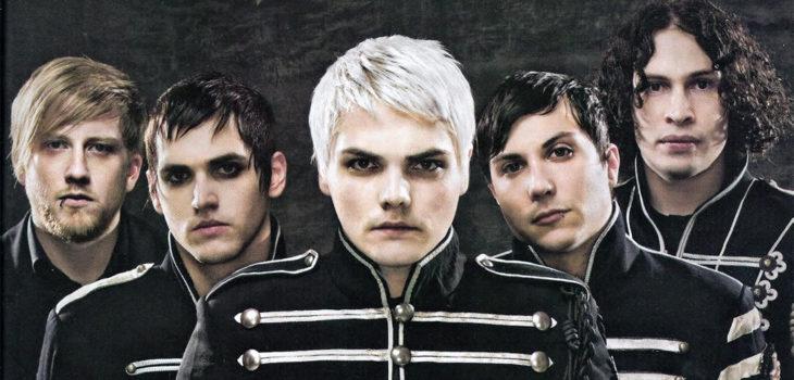Gerard Way (al centro) junto a My Chemical Romance