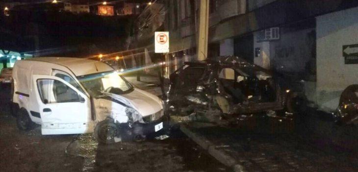 Cuatro personas resultan lesionadas en colisi n vehicular for Hotel para cuatro personas