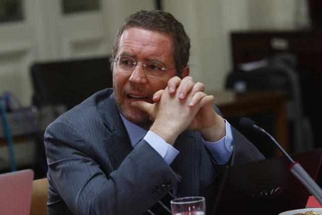 Felipe Irarrázabal, el titular de la Fiscalía Nacional Económica que se requirió contra los laboratorios