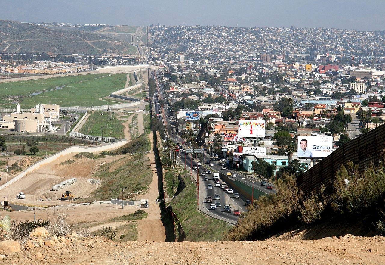 Frontera entre San Diego (izquierda) y Tijuana (derecha) en 2007 | Departamento de Defensa de Estados Unidos