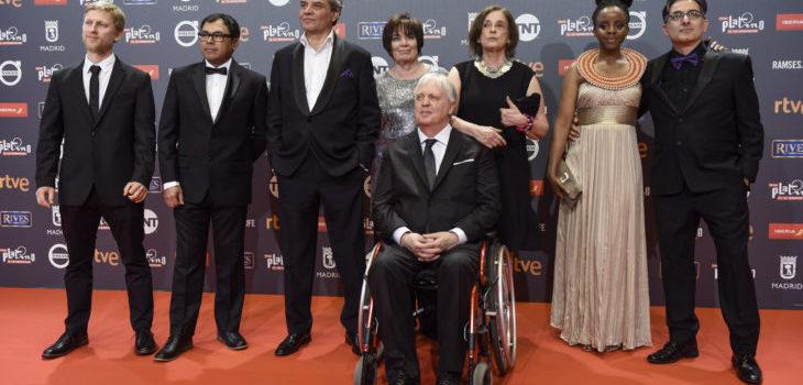 """El equipo de """"Bala Loca""""   Premios Platino"""