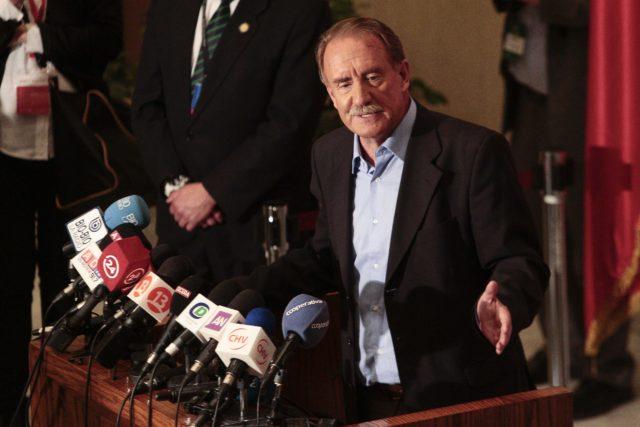 Eduardo Artés tras el debate | Yvo Salinas | Agencia UNO
