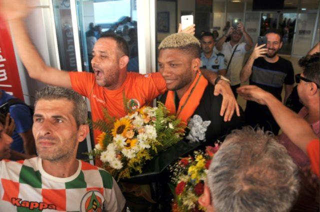 Junior Fernandes fue recibido como héroe en el Alanyaspor
